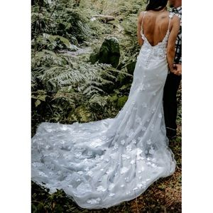 COPY - 3D floral fitted shimmering glitter wedding dress